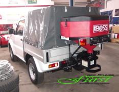 Suzuki Jimny PickUp mit THE BOSS TGS600 Heckanbaustreuer