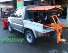 Suzuki Jimny PickUp mit LEHNER POLARO L Aufbaustreuer
