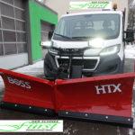 Peugeot Boxer als Räumfahrzeug mit Schneeschild und Aufbaustreuer