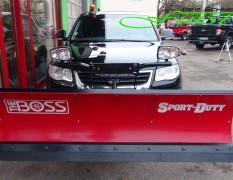 VW Touareg mit THE BOSS SportDuty Schneeschild 215cm