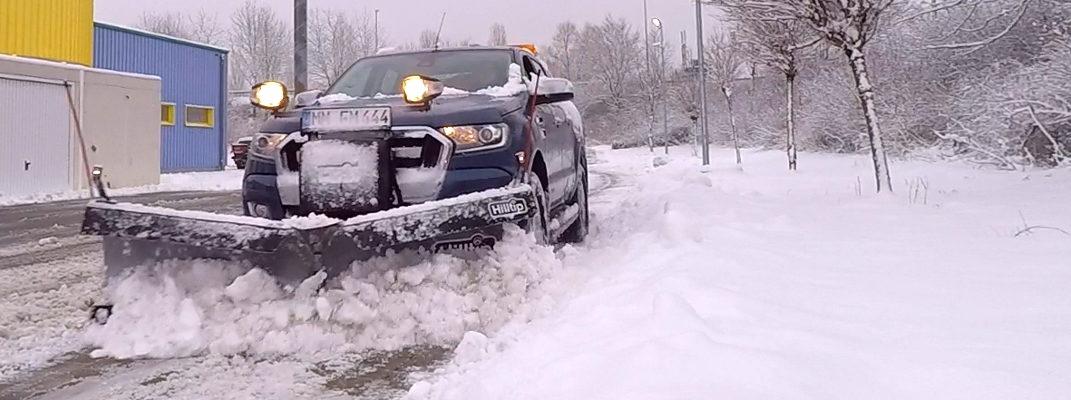 Winterdienst in Memmingen mit Ford Ranger und HILLTIP V-Pflug