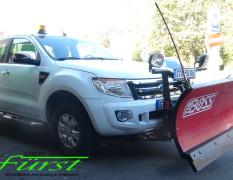 Ford Ranger mit THE BOSS Schneeschild und TGS1100 Heckanbaustreuer