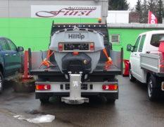 HILLTIP IceStriker Aufbaustreuer in den Größen 380 Liter, 650 Liter und 880 Liter
