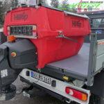 Hilltip Icestriker 550 in rot auf de Ladefläche eines Nutzfahrzeuges